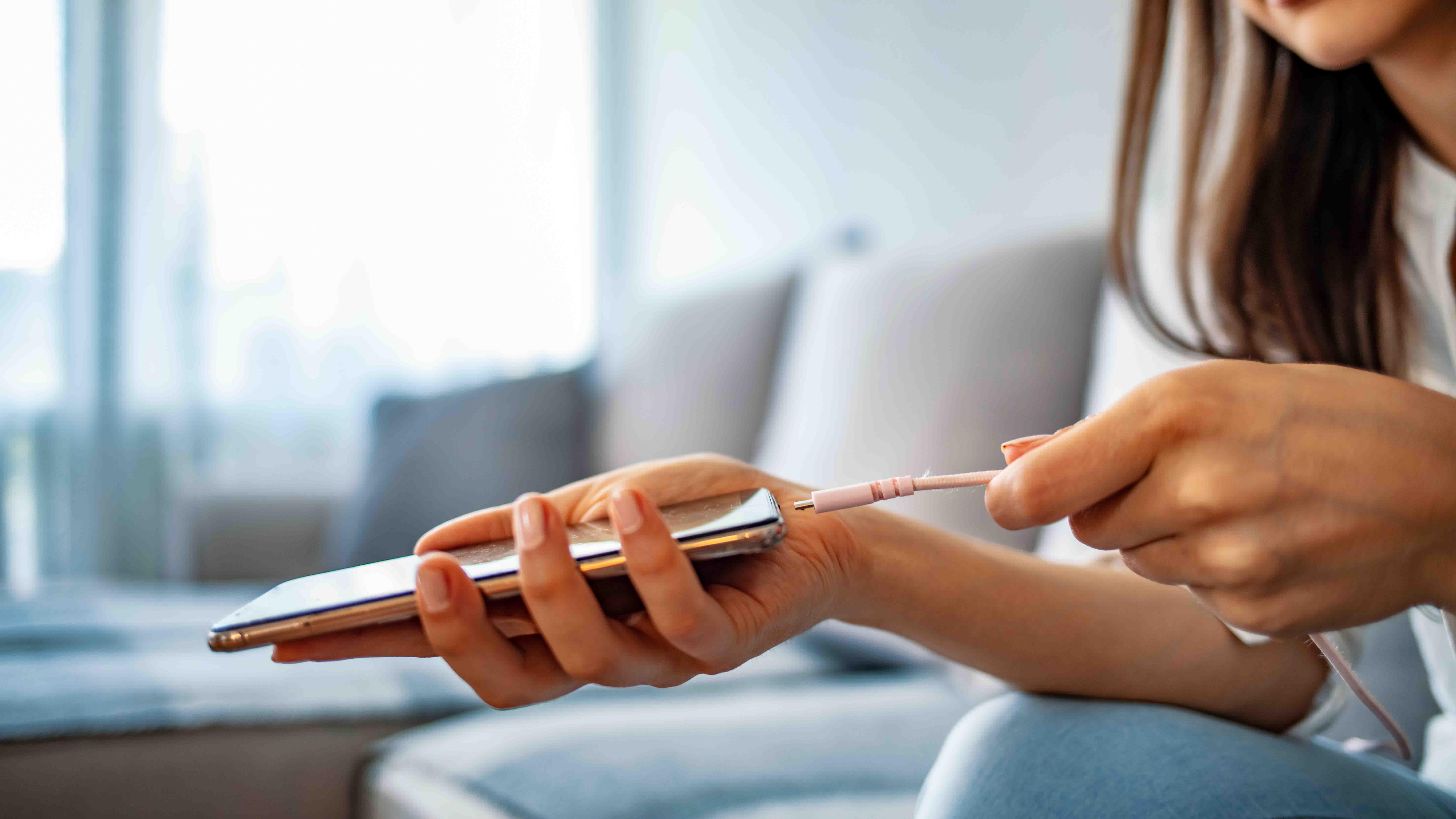 5 dicas para carregar o seu celular: segurança e aumento da vida útil do aparelho